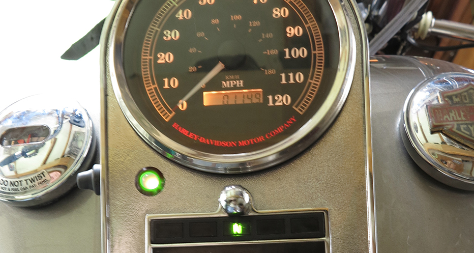 Eclipse Battery Voltage Monitor used in a Harley Davidson bike